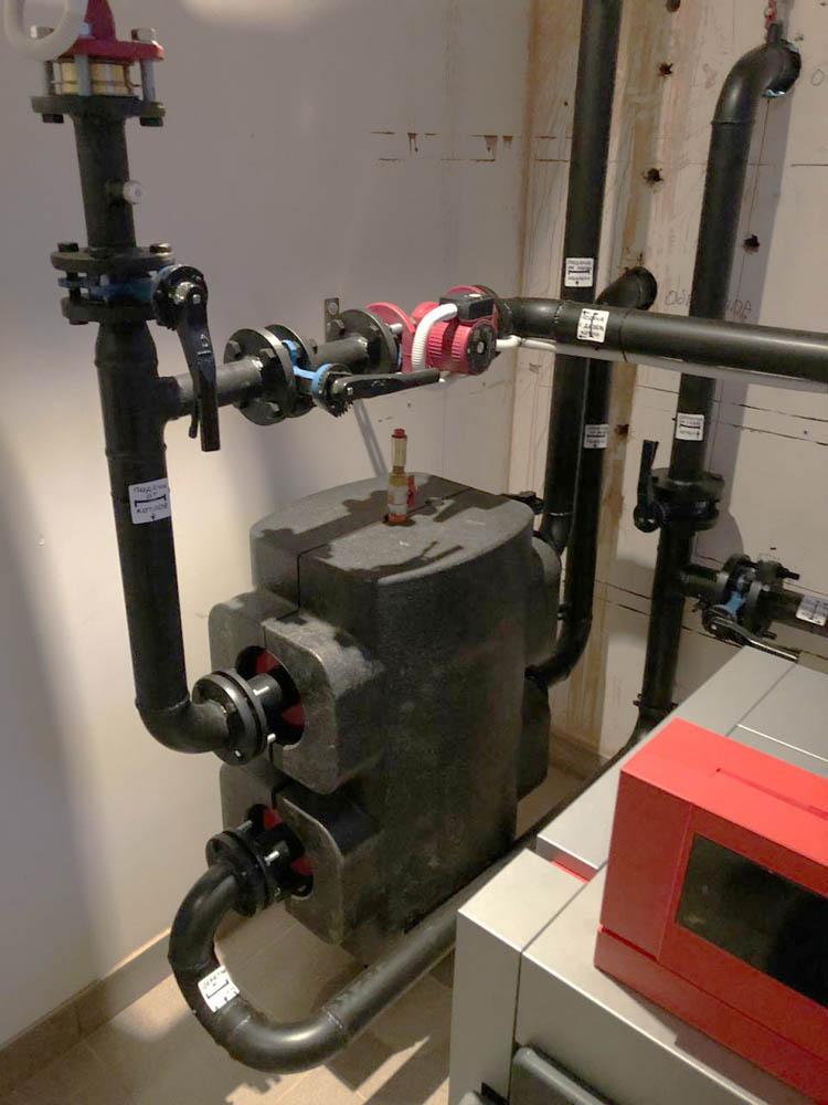 гидрострелка и трубопроводы обвязки
